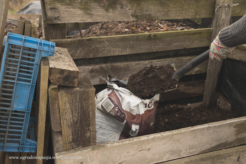 kompost liściowy